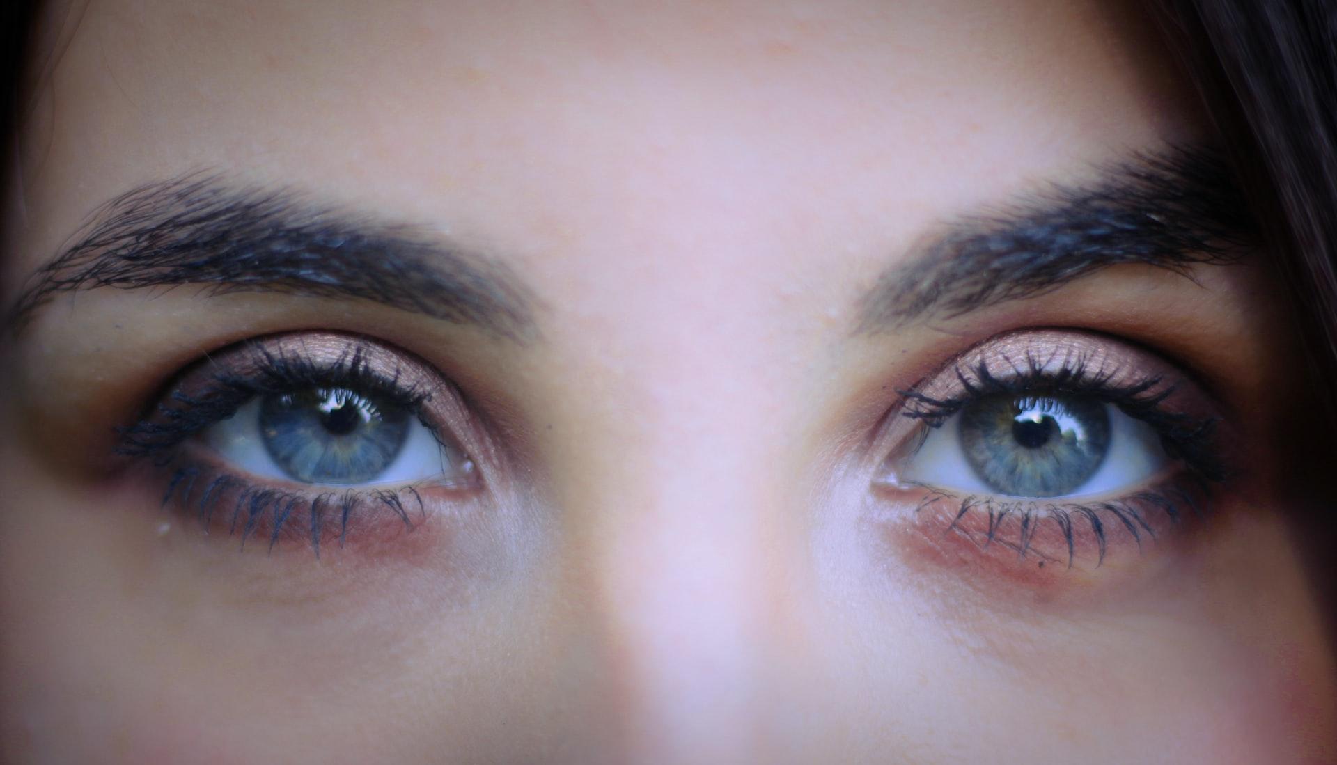 lentilles de contact mensuelles